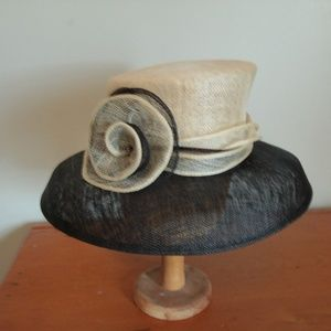 Black and White Andre Sun Hat